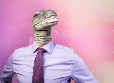 Dinozaur w koszuli